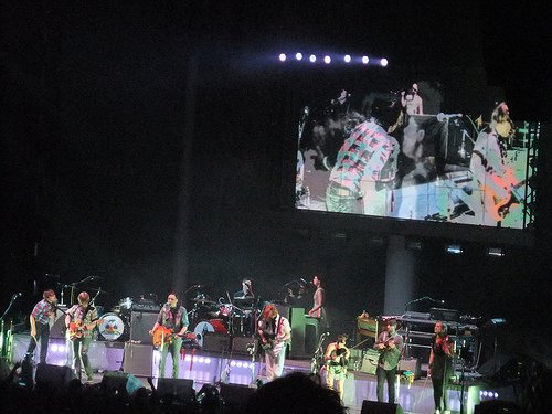 Arcade fire prove they re bigger than madison square garden john posts for Arcade fire madison square garden